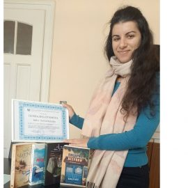 Вяра Панайотова получи грамота и книги за 4-кратно даряване на плазма