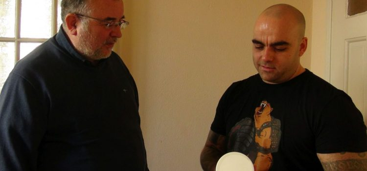 Д-р Ботев връчи похвална грамота на Станислав Захариев