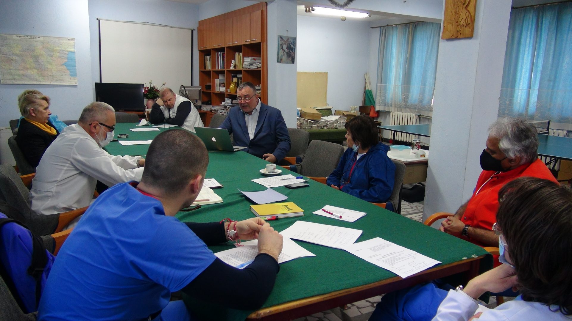 Сдружението обсъди лечението с хиперимунна плазма с лекари от Сандански