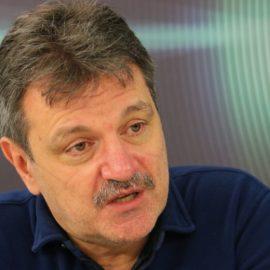 Александър Симидчиев: Да прекратим епидемията, а не да играем на пинг-понг