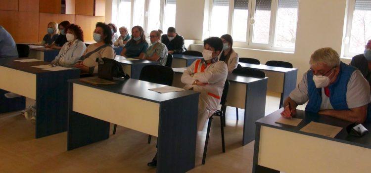 Сдружението обсъди лечението с реконвалесцентна плазма с лекари от МБАЛ – Казанлък